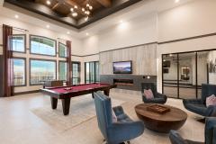 Pool-Table